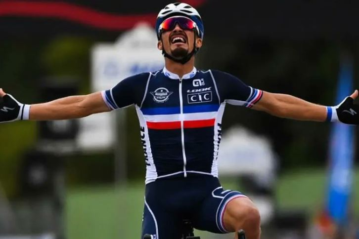 Julian Alaphilippe est devenu champion du monde de cyclisme dimanche à Imola