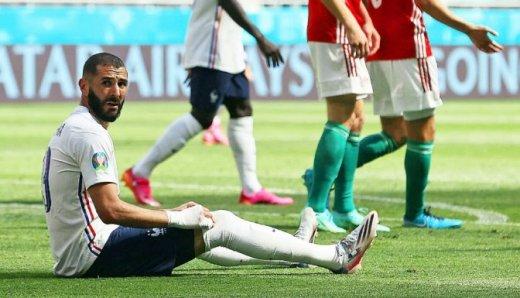 Karim Benzema n'a pas su conclure la domination française en première mi-temps.