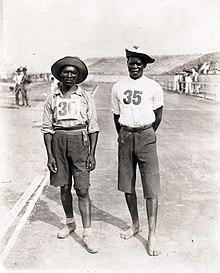 Les deux participants sud-africains Len Tau et Jan Mashiani