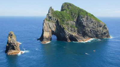 Bay of Islands Tour - Tour the Bay of Islands - Auckland ...
