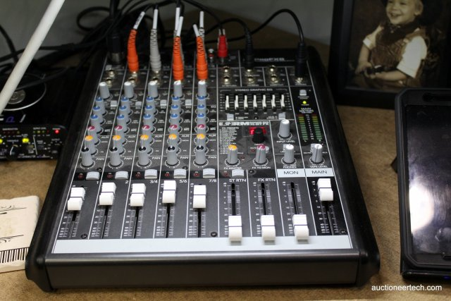 Mackie ProFX8 has the right amount of inputs and a USB interface