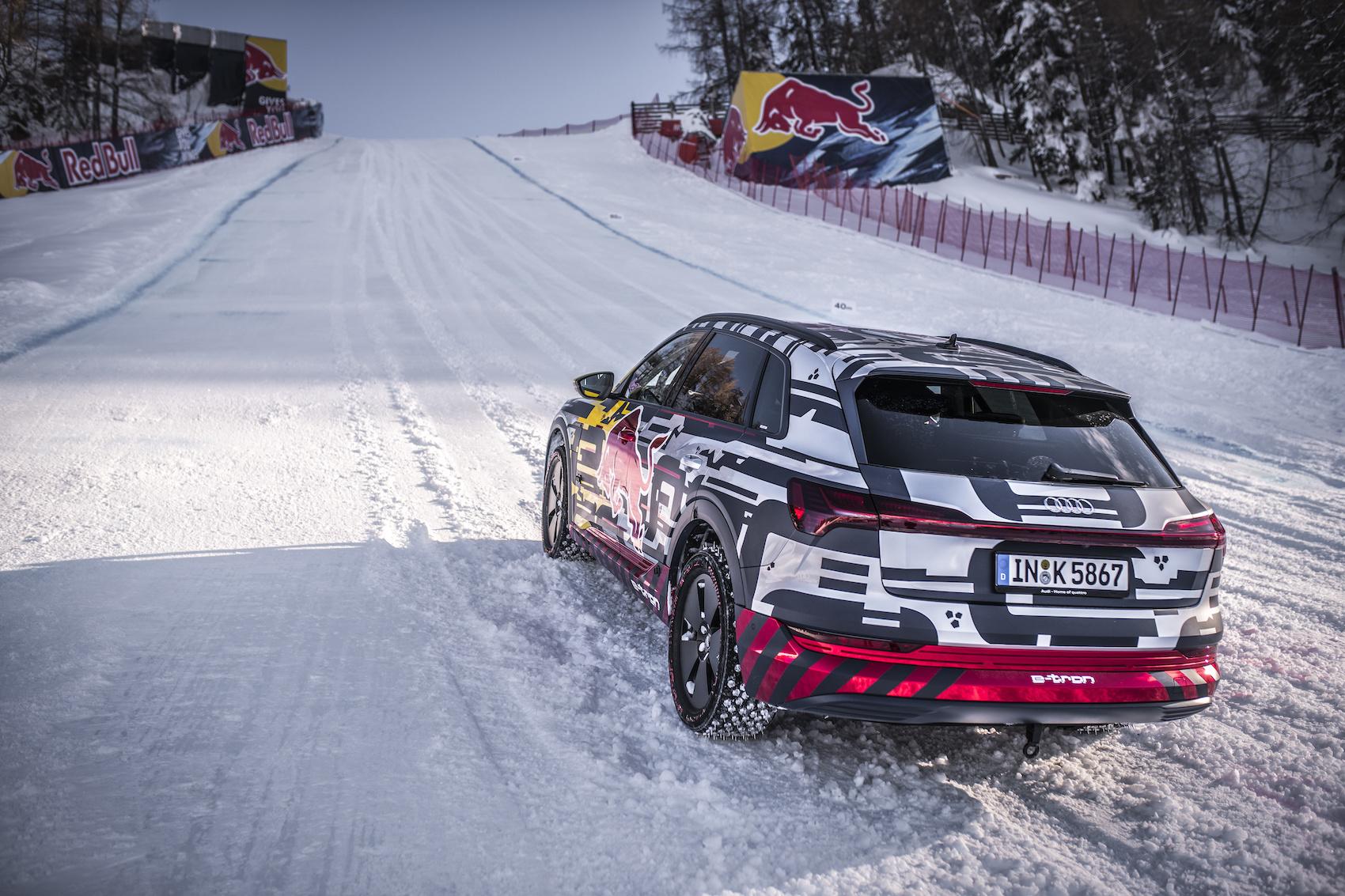 «L'e-tron des neiges» a été équipé de clous spécialement fabriqués pour l'occasion. (Photo: Audi)