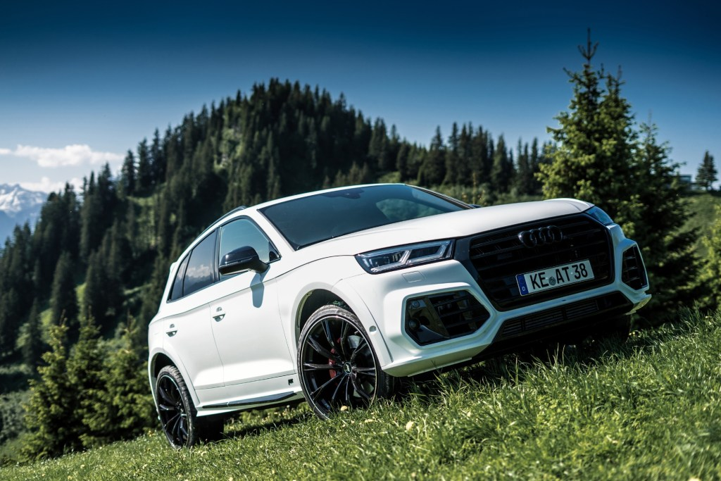The ABT Audi SQ5 with 425 HP and The Dream of Flying