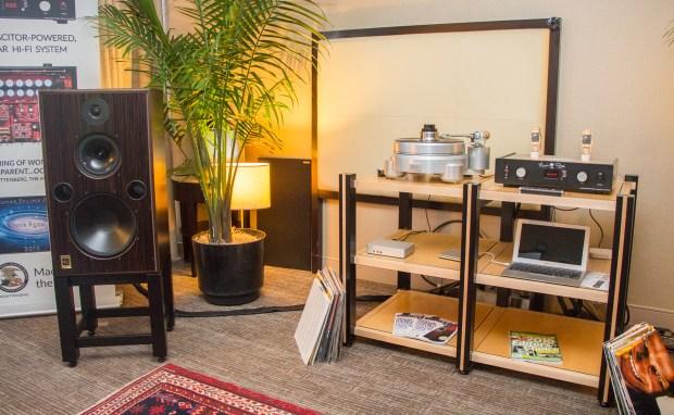 Harbeth M40.2 loudspeaker with Vinnie Rossi LIO
