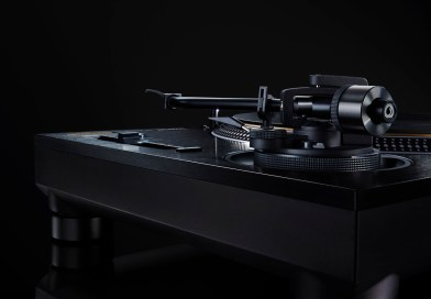 Technics Reveals The SL-1210GAE Turntable And SU-R1000 Integrated