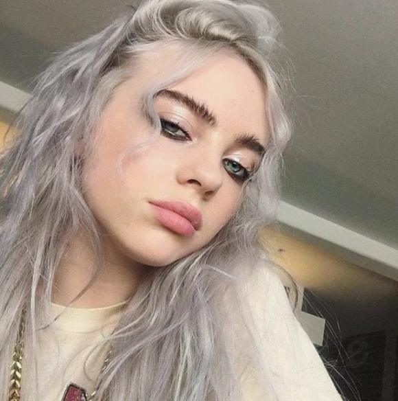 Billie Eilish – Who is she and are those spiders real? – AudioFevur