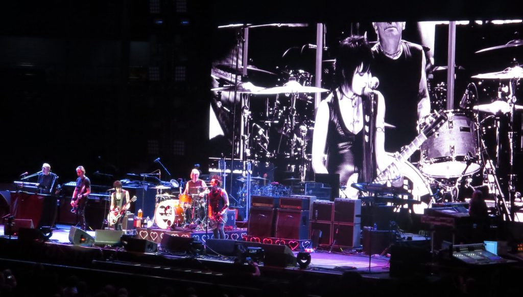 Side Members Joan Jett and The BlackHearts