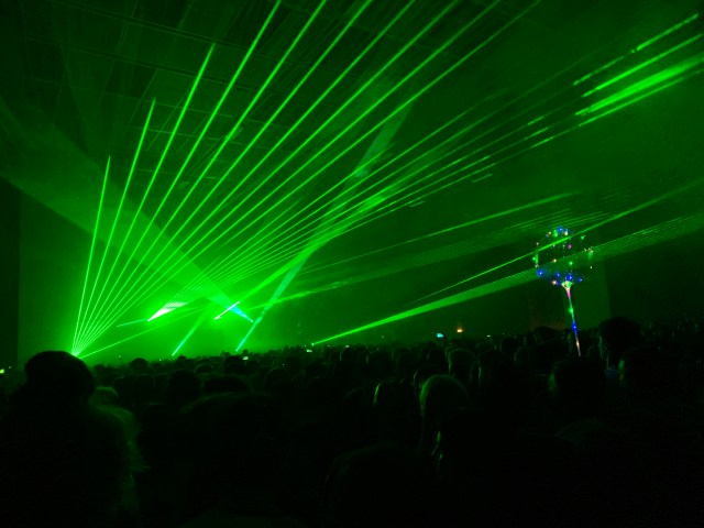 Aphex Twin firing his lasers