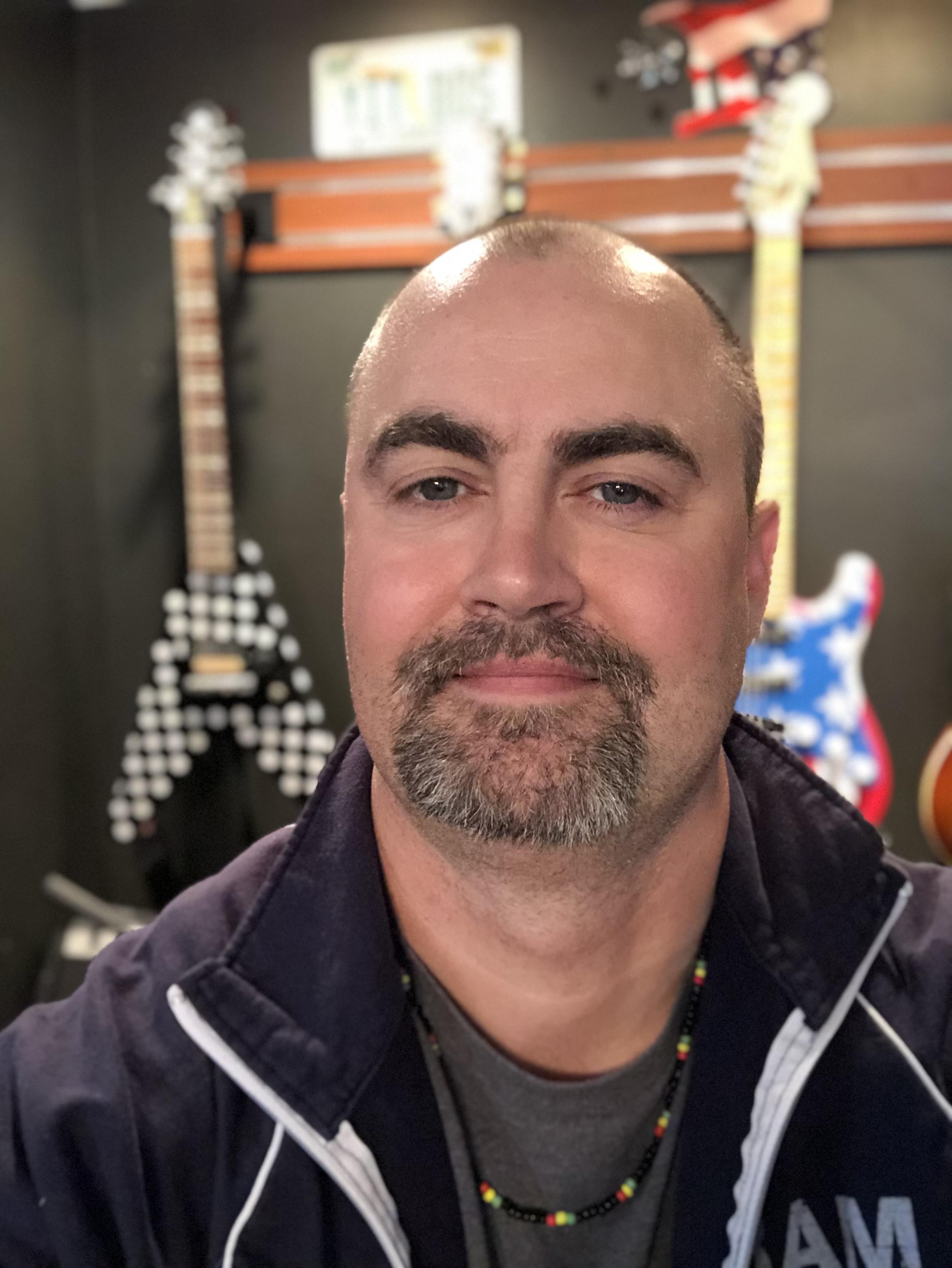 Ed Eagle New Artist Spotlight
