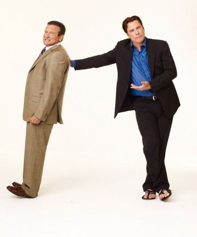 Robin Williams y John Travolta en Dos canguros muy maduros