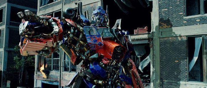 """""""Transformers 3: La Cara Oscura de la Luna"""" (2011)"""
