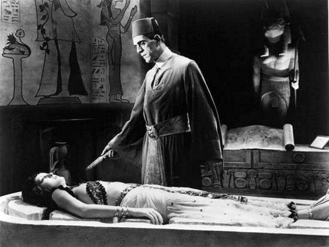 """Boris Karloff en """"La Momia"""" (1932)"""