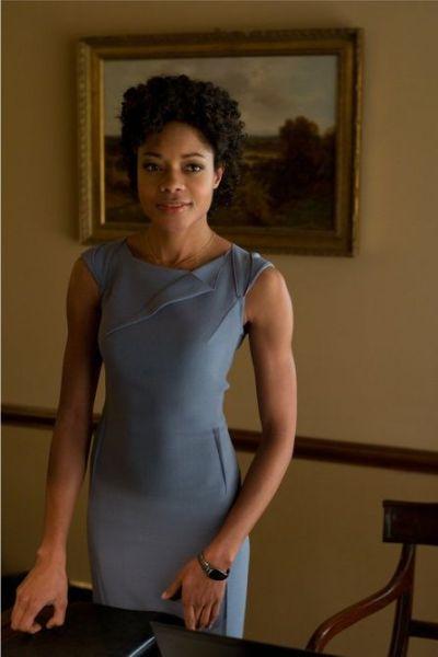 Naomie Harris será la nueva Miss Moneypenny (SKYFALL, 2012)