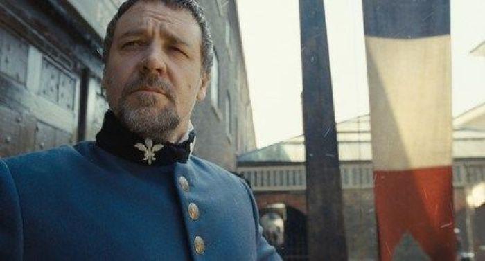 """Russell Crowe en """"LOS MISERABLES: El Fenómeno musical"""" (2012)"""