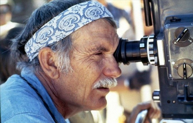 "Sam Peckinpah director en ""La Cruz de Hierro"" (1977)"