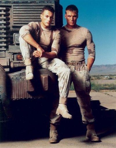 Jean-Claude Van Damme y Dolph Lundgren en Soldado Universal (1992)