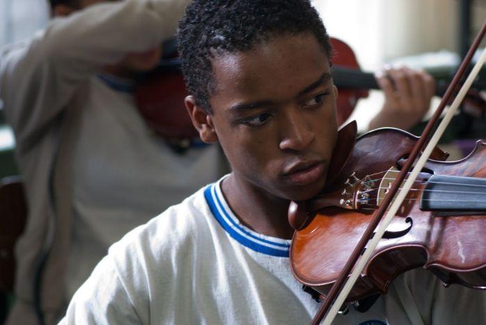 El profesor de violín (2014) AudioVideoHD.com