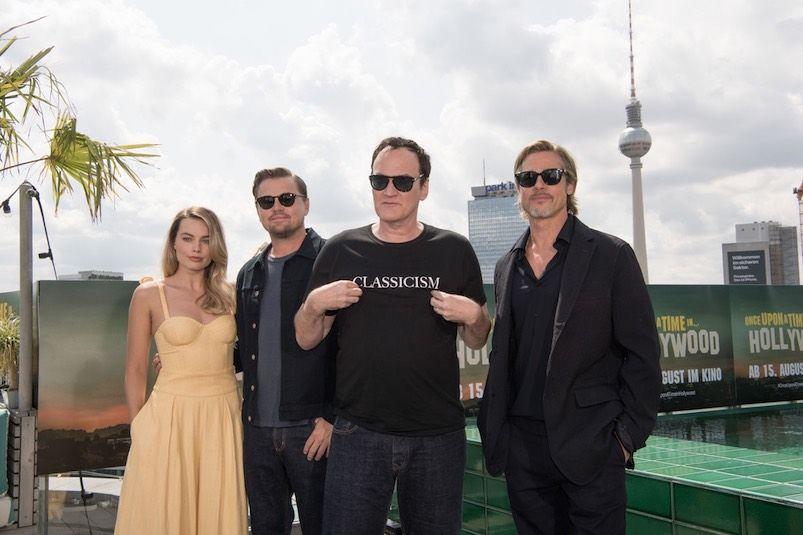 ÉRASE UNA VEZ…EN HOLLYWOOD: Margot Robbie, Leonardo DiCaprio, Quentin Tarantino y Brad Pitt