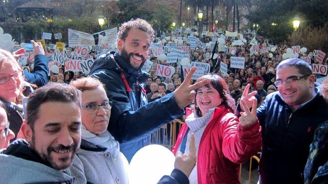 Manifestación En Granada En Contra De La Fusión De Los Hospitales – 15/01/2017