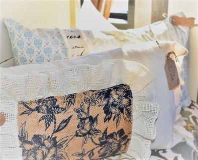 farmhouse-pillows
