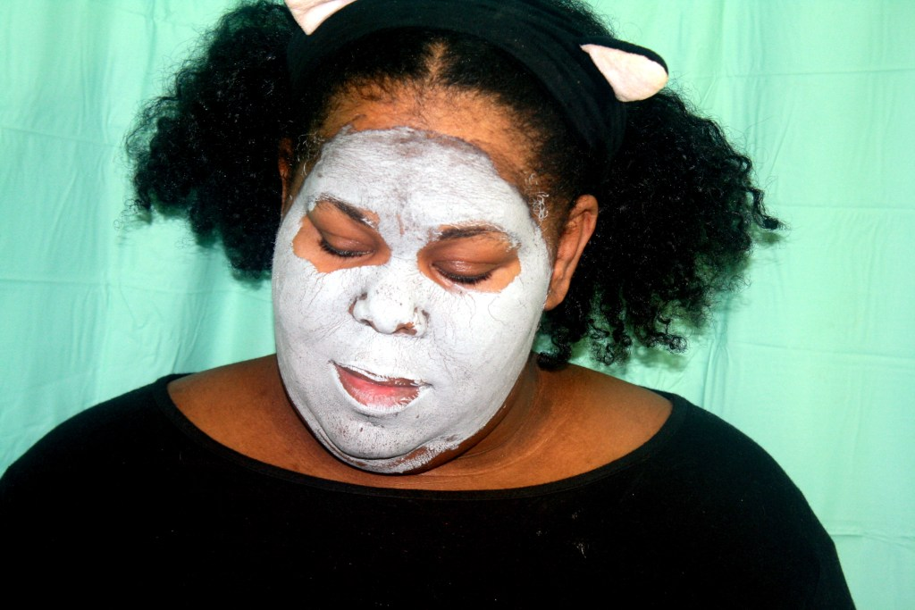 At Home Spa Day: Avon Clearskin Pore Penetrating Black Mineral Mask Review