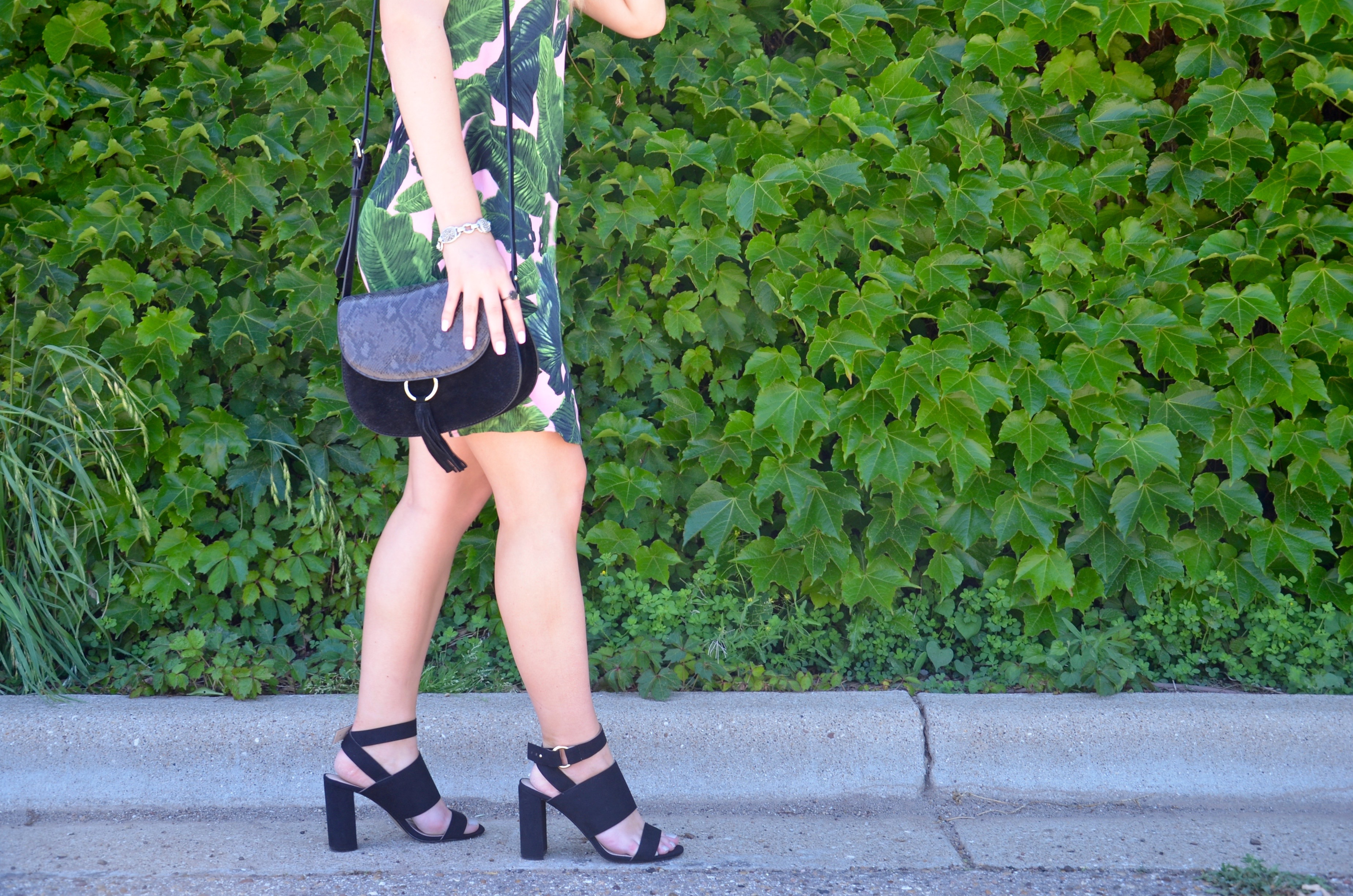 tiptop black heels and saddle bag