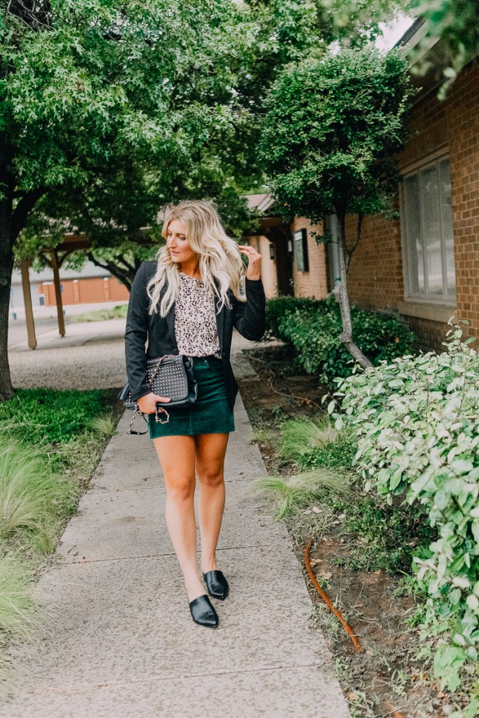 Gift Cards | Trader Joe's | Coffee Mug | Christmas | Holiday | Gift Ideas For Co-Workers Under $25 featured by top Texas life and style blogger Audrey Madison Stowe