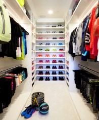 khloe-kardashian-closet1-640x774