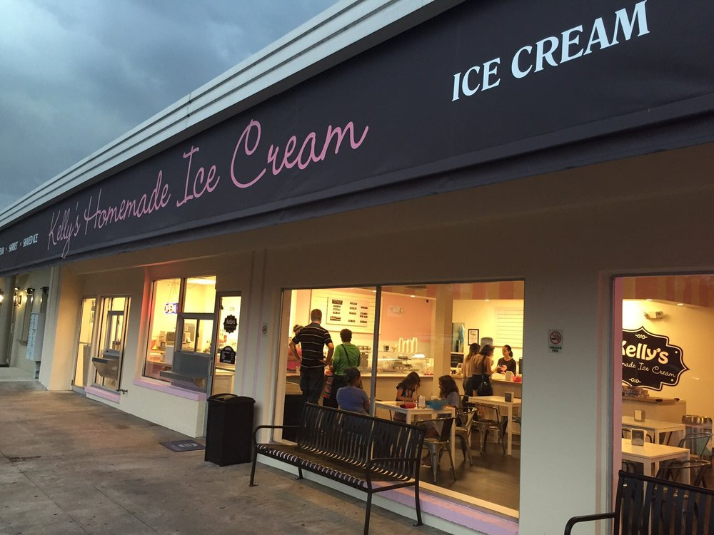 Kelly's Homemade Ice Cream store front