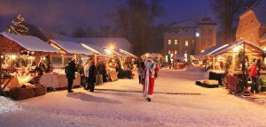 Adventsmarkt in Lomnitz. Foto: Schloss