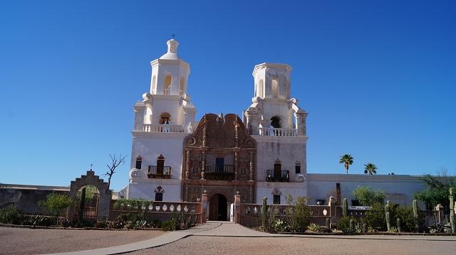 Die Mission San Xavier del Bac, südlich von Tucson