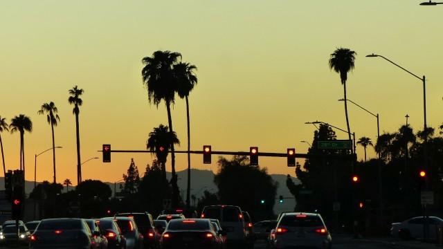Stromanbieter wechseln, sparen und nach Phoenix fliegen