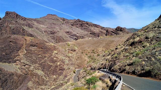 Enge Kurven und schmale Straßen auf Gran Canaria