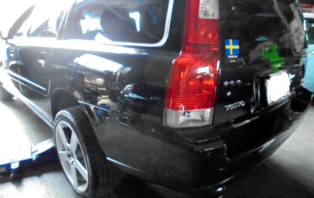 ボルボ V70 AWD R ブレーキパッド&ローター交換