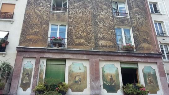 Quartier rue Mouffetard Paris peinture murs