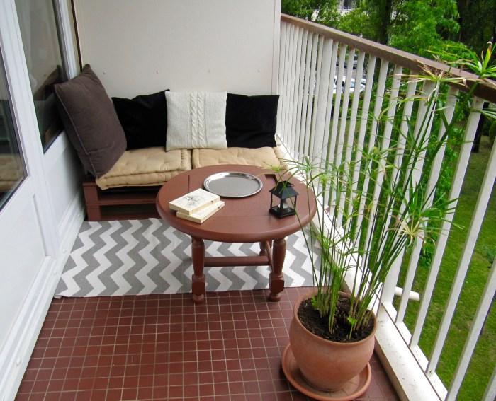 petit salon de balcon en palette au