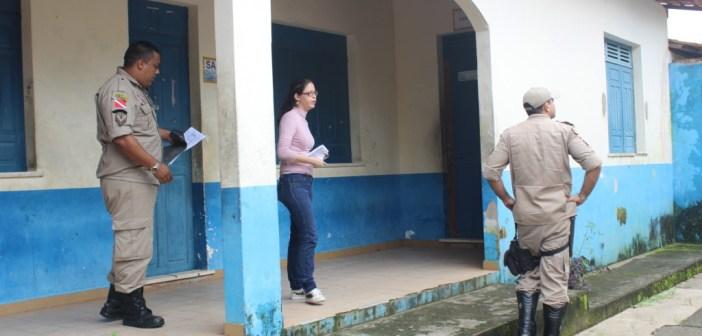 Bombeiros Realizam Vistoria nos Anexos da Escola Municipal Prof.ª Rosa Athayde