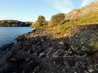 Orillas de la laguna La Clara con un fuerte estiaje en septiembre.
