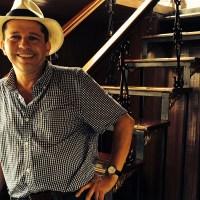 Juan Carlos Galeano: «La experiencia de viajar y escuchar cuentos orales de la Amazonía cambió mi poesía»