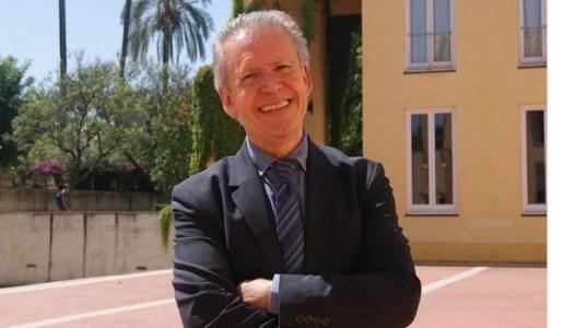 Luz y poesía con Manuel Ángel Vázquez Medel. Aullido poesía literatura.