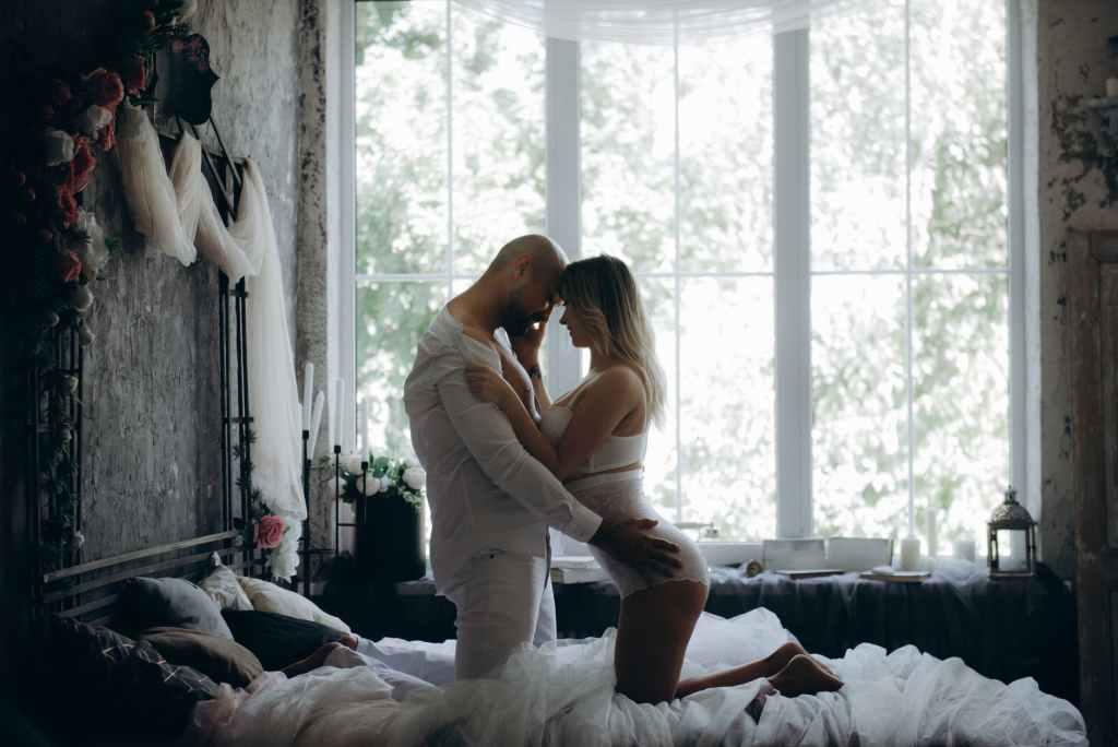 5 beneficios del sexo por la mañana.