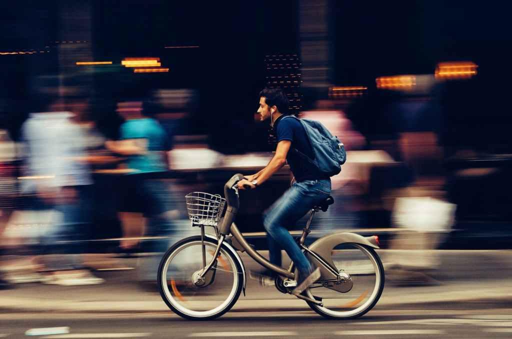 ¿Puede ser la bicicleta un vehículo para la disfunción eréctil?