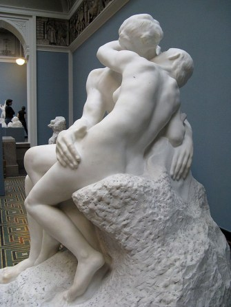 Auguste_Rodin-The_Kiss-Ny_Carlsberg_Glyptotek-Copenhagen-1