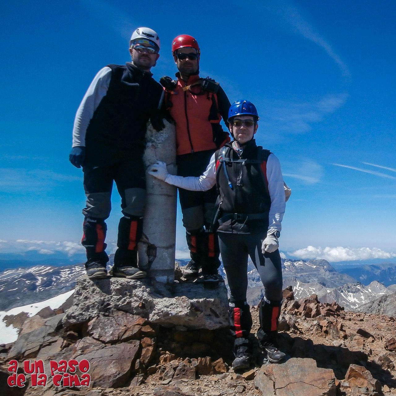 Tour du Vignemale: Ascensión al Pique Longe o Comachivosa