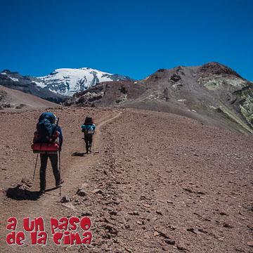 Cerro Plomo: Laguna de Piuquenes – Cerro Pintor – Refugio Federación