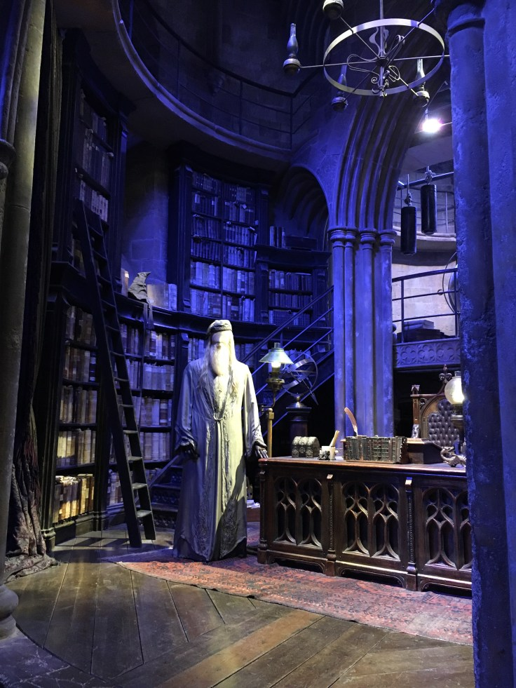 Harry Potter, Lontoo, London, 9 3/4, Hogwart, Tylypahka