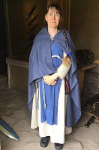Kristiina työnsä äärellä, Kristiina Lehtonen, Rosala, viikingit, historia, lasten kanssa