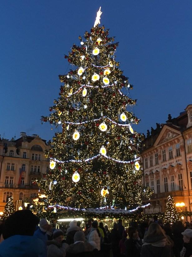 Staré Mesto, vanhakaupunki, Praha, joulutori, Eurooppa, kaupunkiloma, jouluvalot, joulukuusi