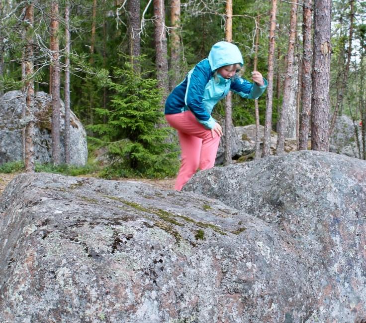 Sarvikallio, Tuusulanjärvi, Järvenpää, kalliot, retkellä lasten kanssa