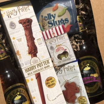 Harry Potter Themed Deluxe Gift Box Set from auntie Ammies candy Shop